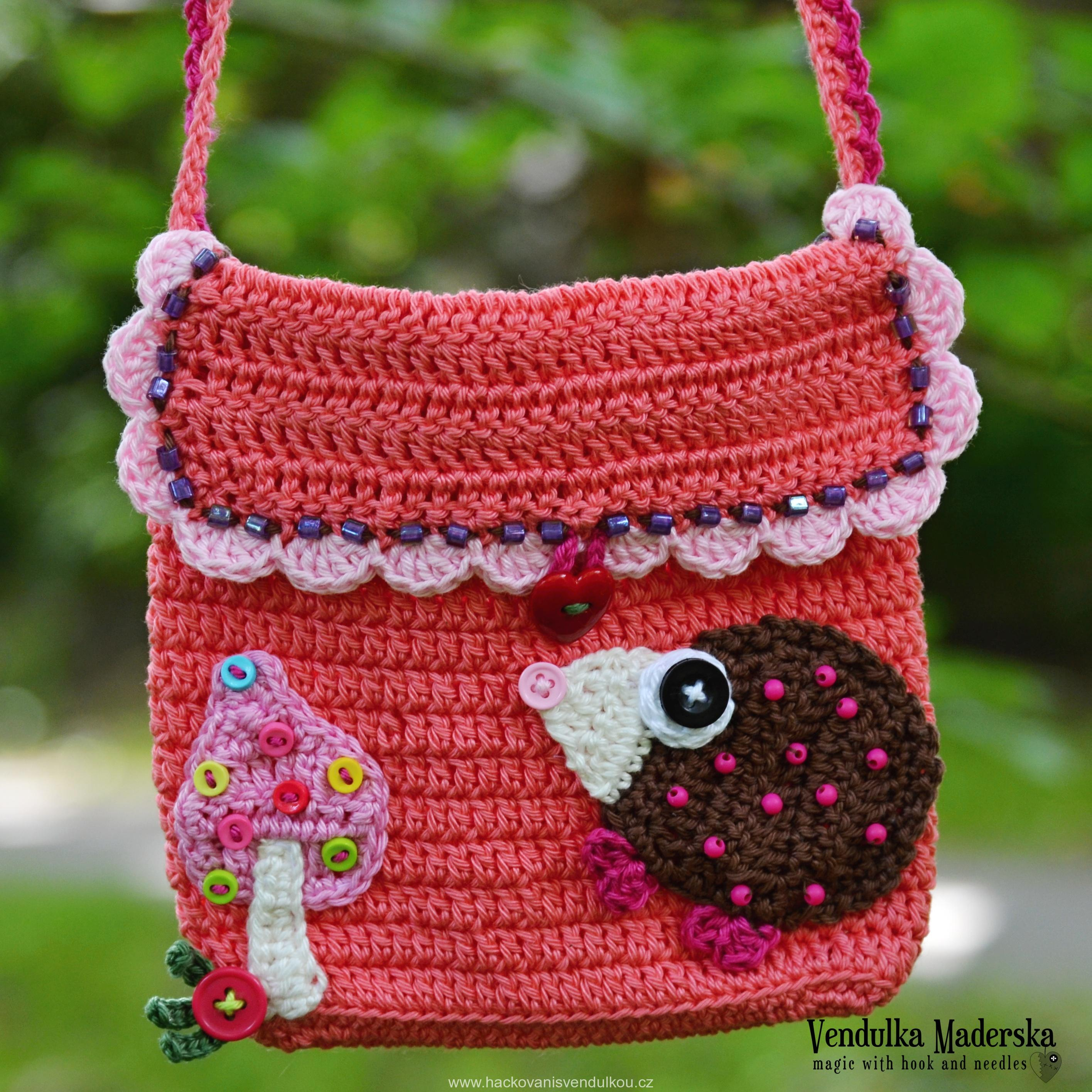 2661d3e84c Háčkovaná kabelka s ježečkem ¦ návod na háčkování